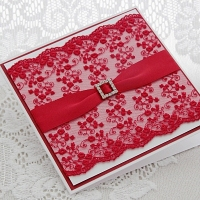 Erkpunase pitsi, atlaspaela ja kristallpandlaga käsitöökaart